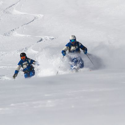 Freeriding in the deep snow